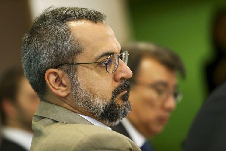 O ministro da Educação, Abraham Weintraub, durante apresentação do Compromisso Nacional pela Educação Básica, hoje, em Brasília. Foto: Marcelo Camargo/Agência Brasil