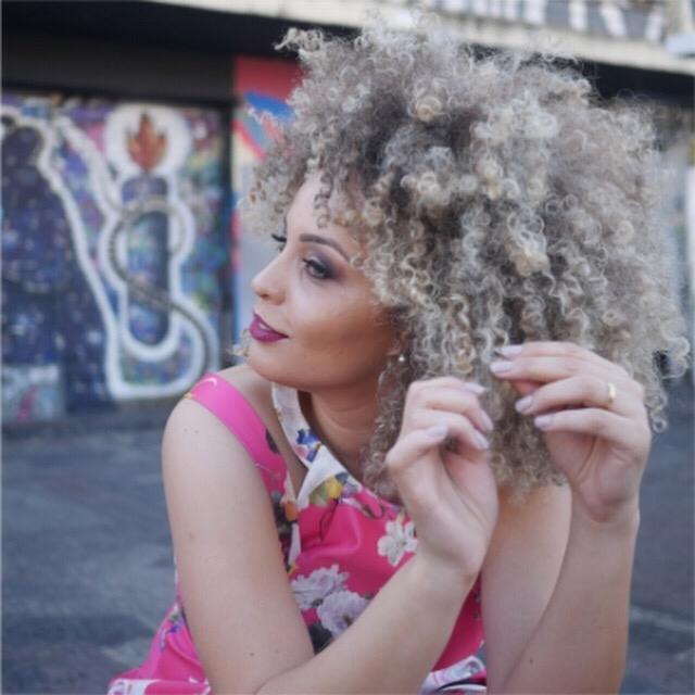 Cantora Júlia Rocha se apresenta pela primeira vez em São Paulo. Foto: Andre Carvalho / Leonardo Almeida Assessoria