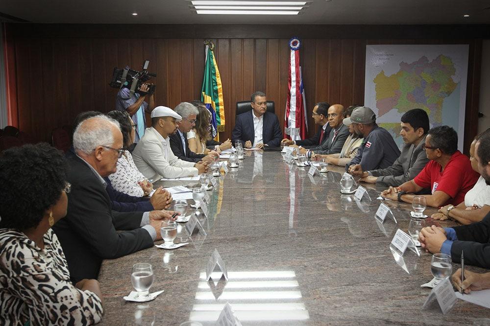 Governo da Bahia firma acordo que reestrutura salários de 18 mil servidores. Foto: Fernando Vivas/GOVBA