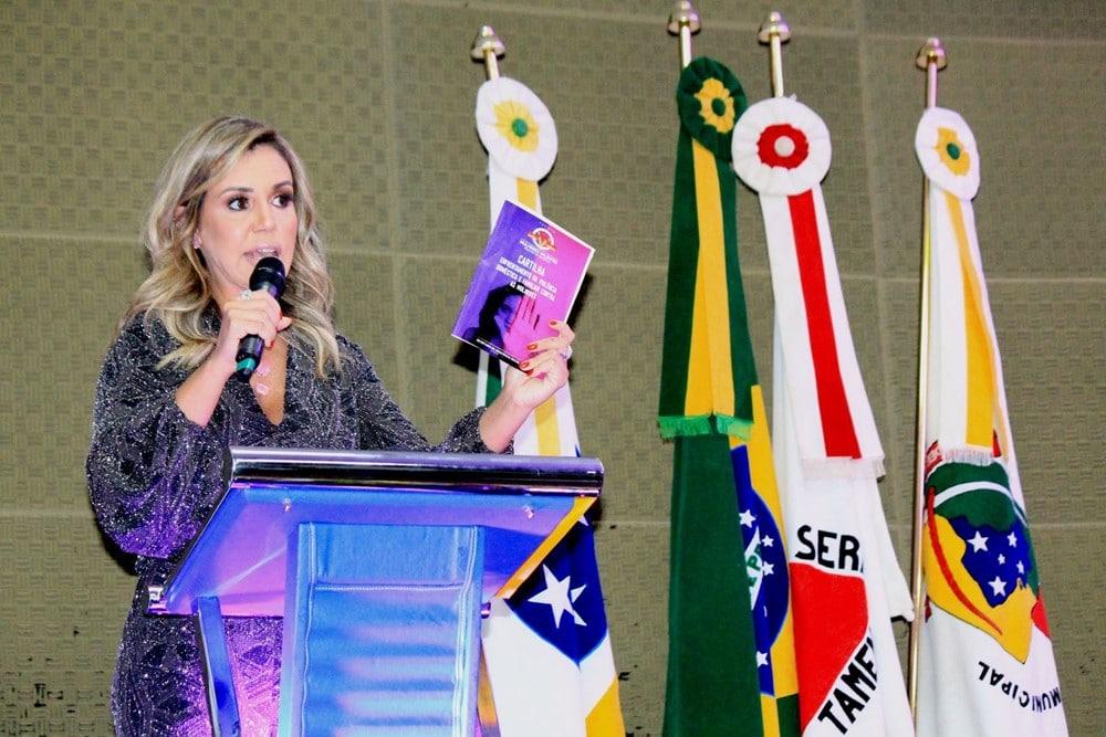 Renata Banhara é nomeada Embaixadora do Projeto Mulheres Valentes em Extrema - MG. Foto: Renato Cipriano / Divulgação