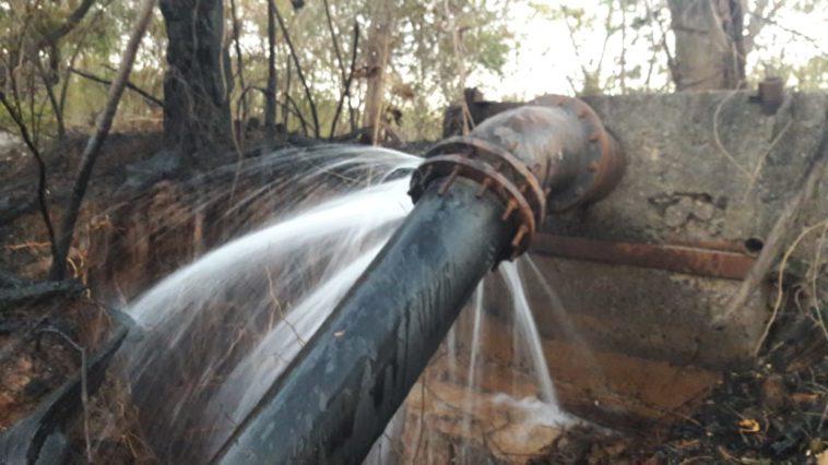 Rede rompida com o incêndio. Foto: Divulgação/Embasa