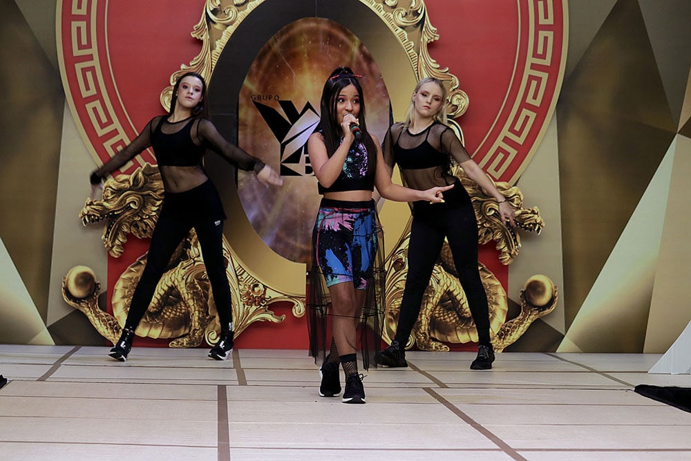 Gabi Saiury se apresentou pela primeira vez com dançarinas. Foto: Jorge Luiz Garcia / Grupo YBrasil