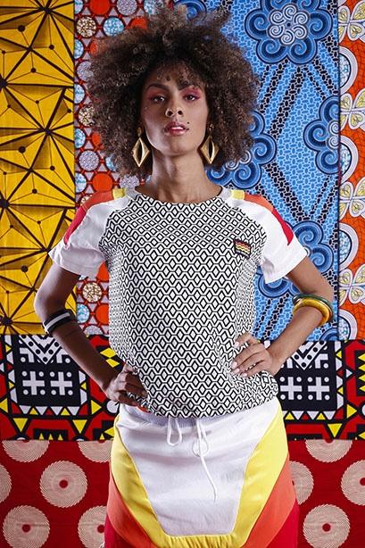 Modelo veste: Blusa: Der Metropol, Pulseira: Salva Look e Brinco: Rincawesky. Foto: Haln Junior / Grupo YBrasil