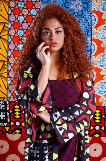 Modelo veste: Kimono: Makida Moda, Vestido: Hering, Cinto: Salva Look e Anel: Allure& Co. Foto: Haln Junior / Grupo YBrasil