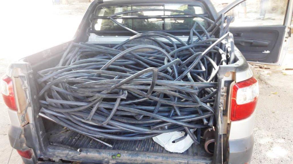 Rede clandestina retirada em Ibotirama. Foto: Divulgação/Embasa