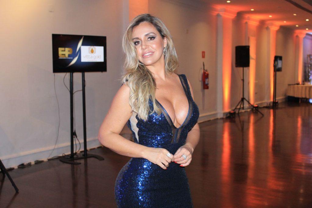 Renata Banhara em Premiação. Foto: Renato Cipriano - Divulgação