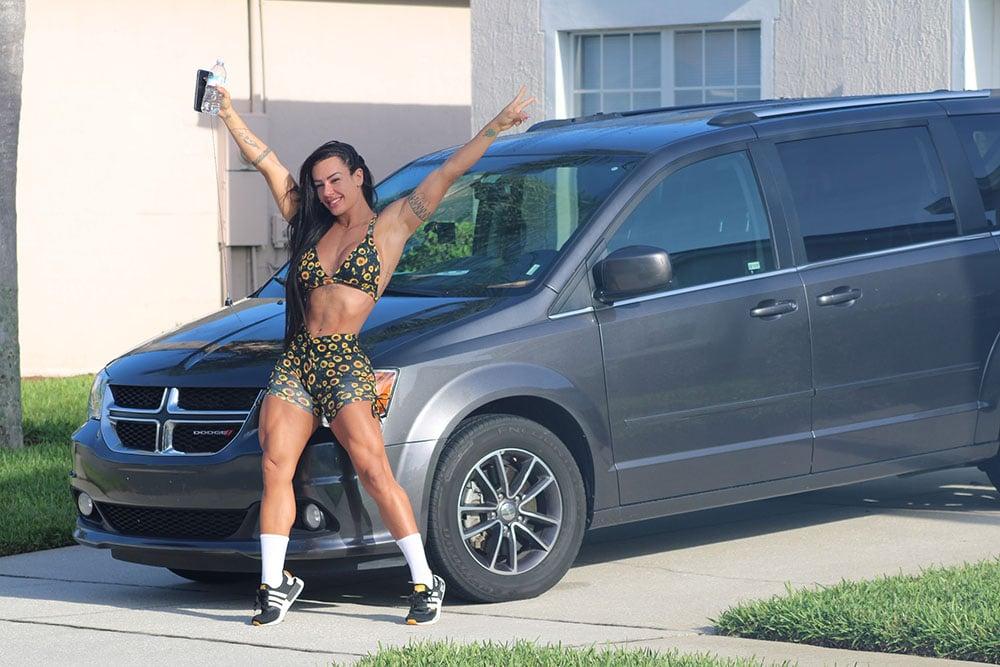 Sue Lasmar adquire casa e carro anti furacão em Orlando. Foto: MF Press Global