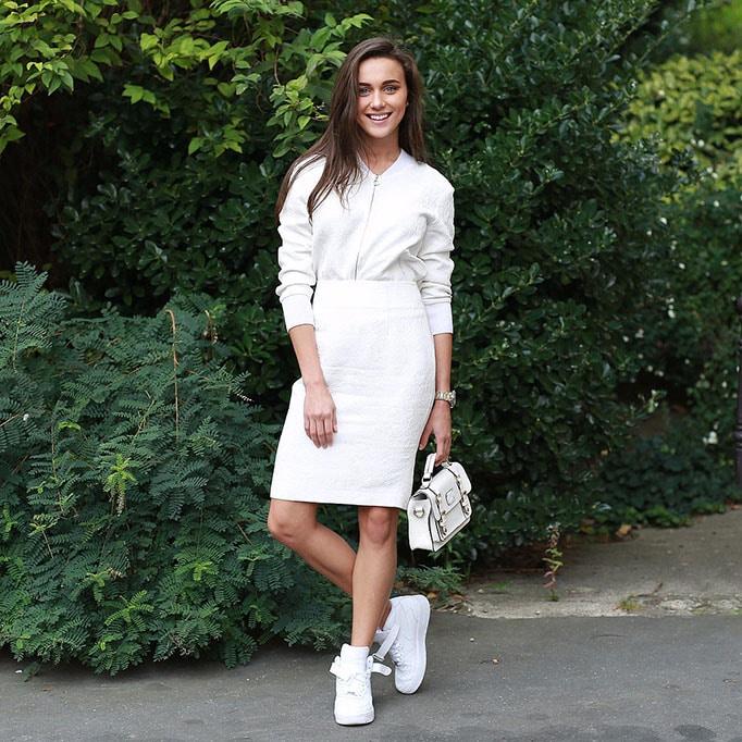 Tendência sport chic: Use as dicas de Domenique Heidy para montar looks versáteis usando tênis. Foto: Reprodução / MF Press Global