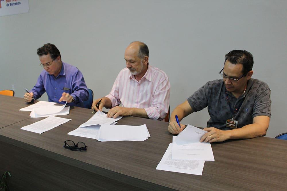 UNIFASB e SOMEB se unem e assinam contrato para a construção do Hospital Universitário, em Barreiras. Foto: Divulgação/UNIFASB