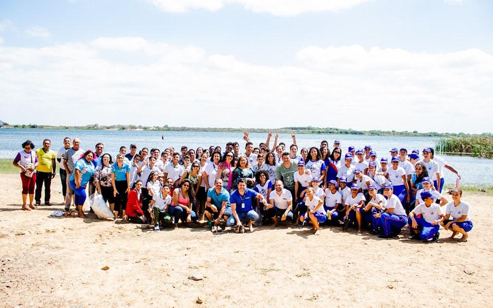 Estudantes baianos participam de ação de educação ambiental e revitalização do rio São Francisco. Foto: Divulgação/Codevasf