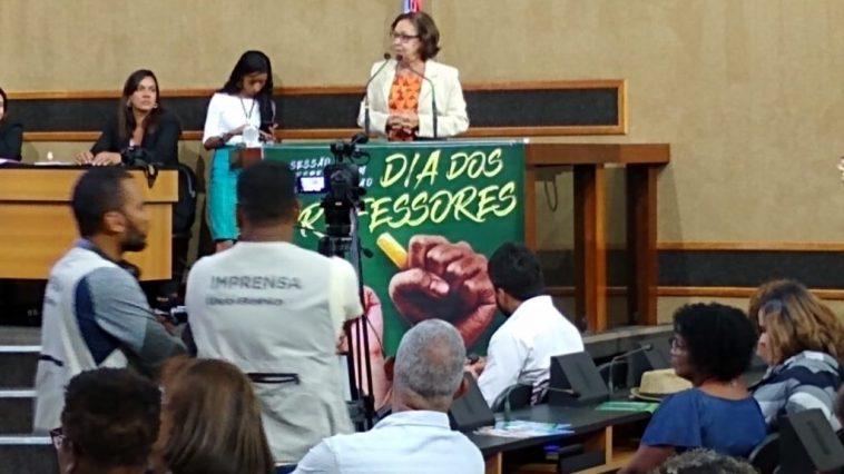 Lídice da Mata (PSB) durante sessão especial na Alba. Foto: Divulgação