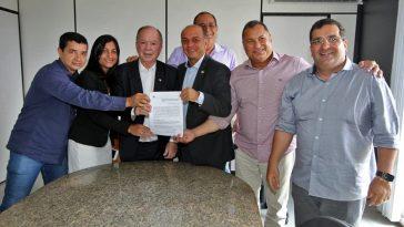 Assinatura do Termo de Cessão. Foto: Divulgação