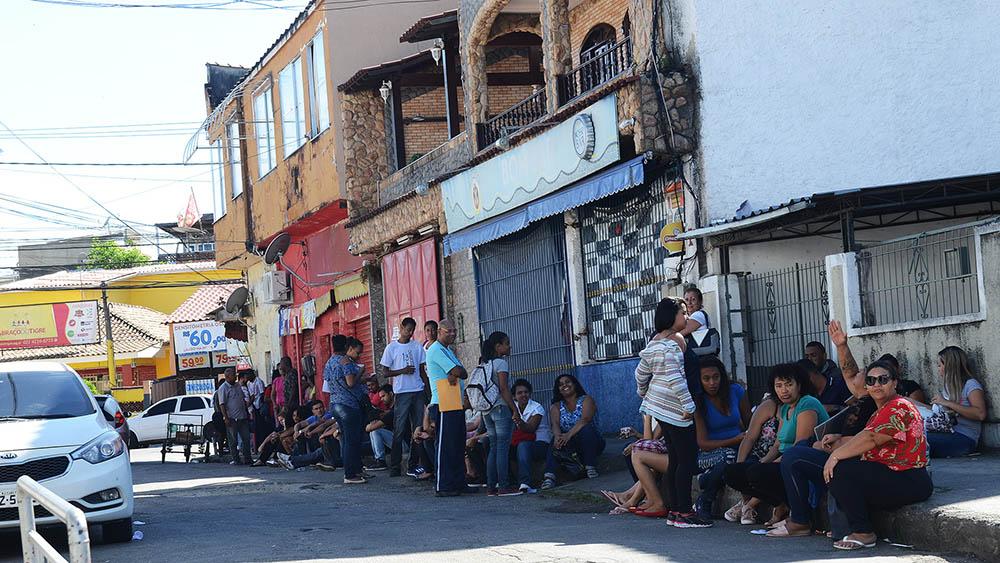 Porto da Pedra em parceria com comunidade católica promoveram mutirão de empregos em São Gonçalo. Foto: Divulgação