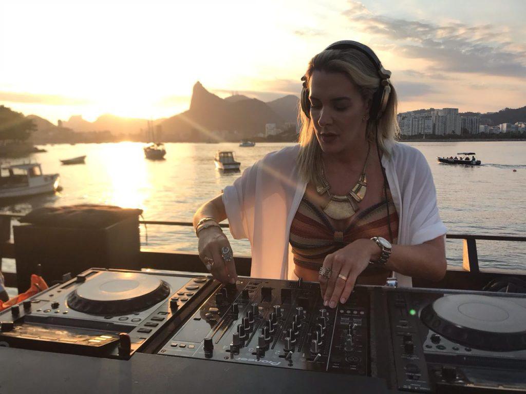 Conheça Prislla: A revelação carioca em forma de música. Foto: Divulgação