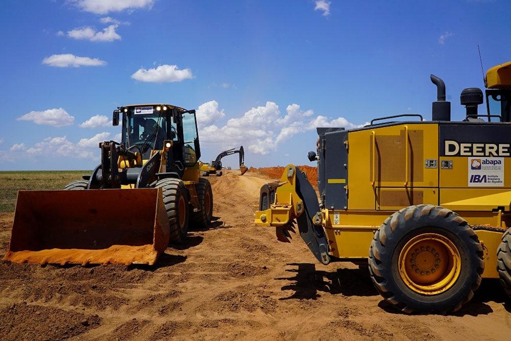 Patrulha Mecanizada da Abapa recuperando estradas. Foto: Divulgação