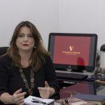 A jurista Jacqueline Valles é mestre em Direito Penal e especialista em Criminologia. Foto: Divulgação