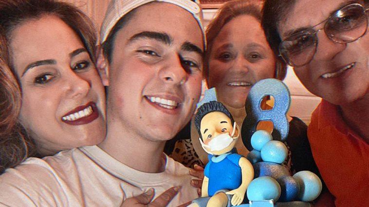 Enrico com os pais Chitãozinho e Márcia (Foto: Divulgação)
