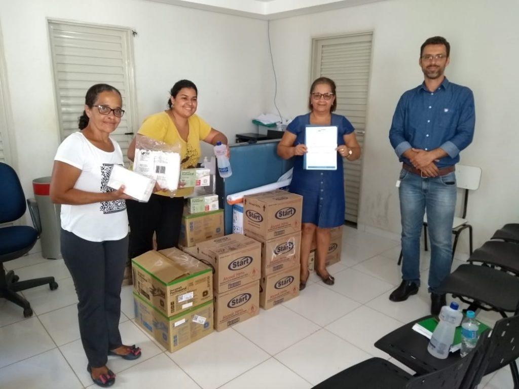 Doação de materiais de saúde para a prefeitura de Baianópolis (Foto: Divulgação)