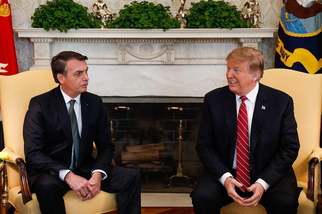 Na avaliação de Deisy Ventura, a interceptação de insumos comprados pela América Latina feita pelo governo Trump, é um crime (Imagem: Alan Santos/PR)