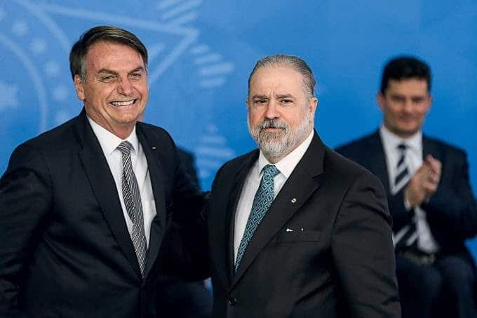 O presidente Jair Bolsonaro, e o procurador-geral da República, Augusto Aras (Foto: José Cruz/Agência Brasil)