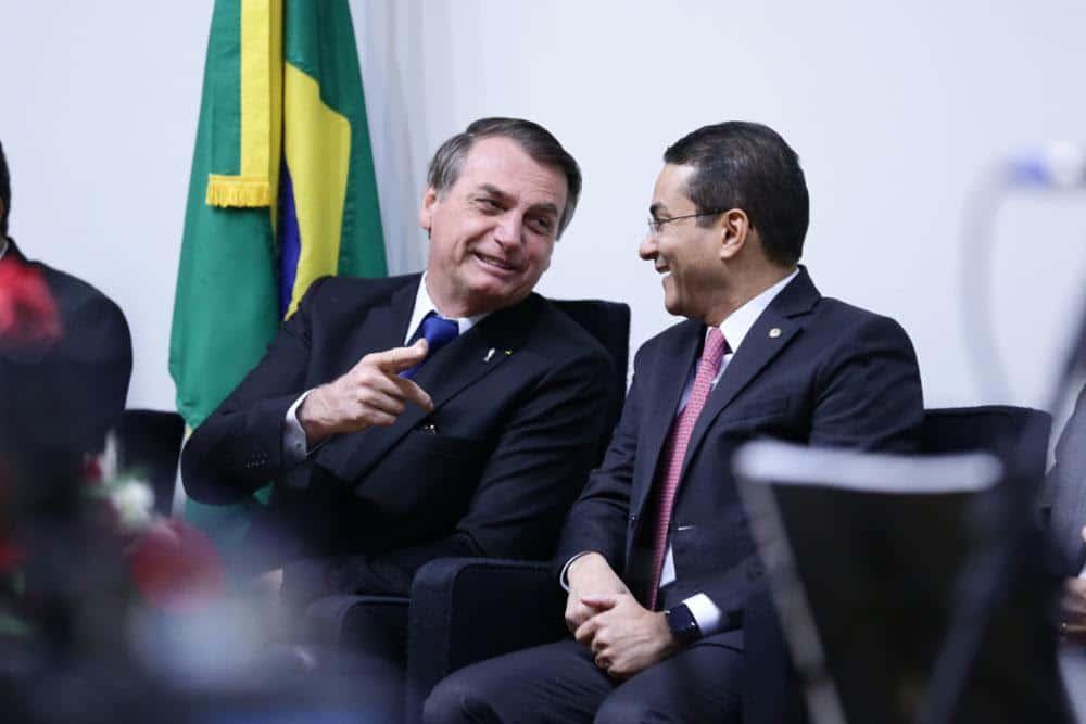 Jair Bolsonaro e o deputado federal Marcos Pereira durante culto evangélico na Câmara dos Deputados (Imagem: Michel Jesus/Câmara dos Deputados)