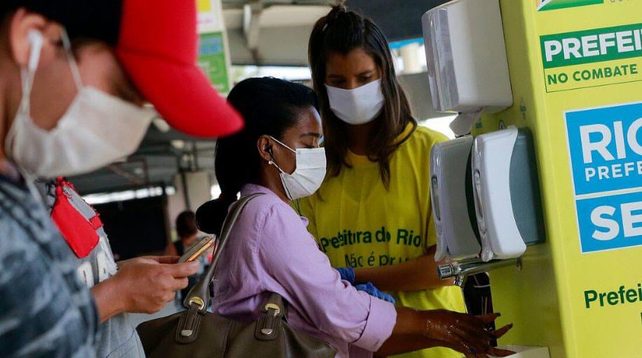 No Rio, crescimento de casos de Covid-19 em bairros onde há mais moradores negros que a média da cidade tem levado essas áreas a registrarem cada vez mais mortes (Imagem: Divulgação)