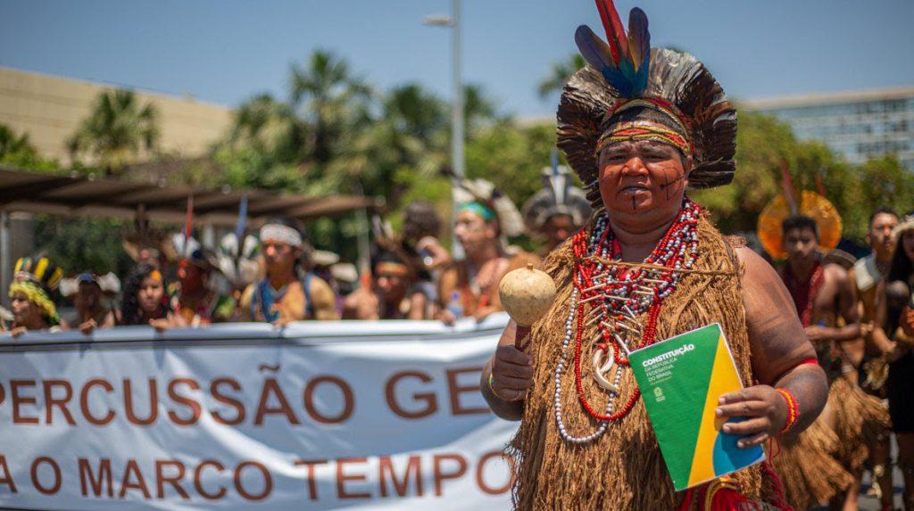 Funai retirou proteção de terras indígenas não homologadas, mas Bolsonaro ainda não concluiu nenhuma homologação durante seu governo. Indígenas criticam falta de demarcação de terras (Imagem: Tiago Miotto/Cimi)