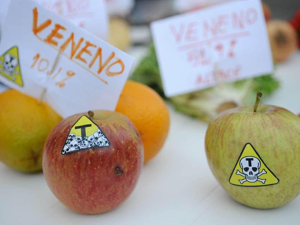 Dos 96 registros de agrotóxicos publicados, 2 são destinados para agricultores e 34 para a indústria (Imagem: Fernando Frazão/Agência Brasil)