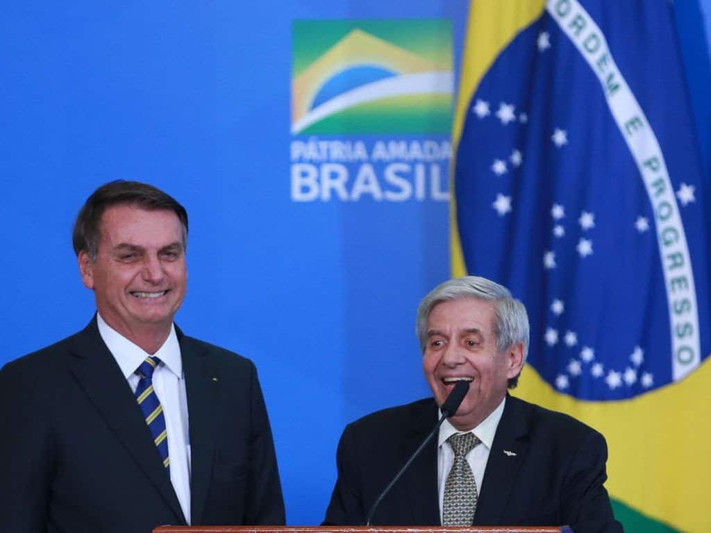 Partidos recorrem à PGR contra o ministro do Gabinete de Segurança Institucional (GSI), Augusto Heleno, por relatórios para orientar a defesa de Flávio Bolsonaro (Foto: Valter Campanato/Agência Brasil)