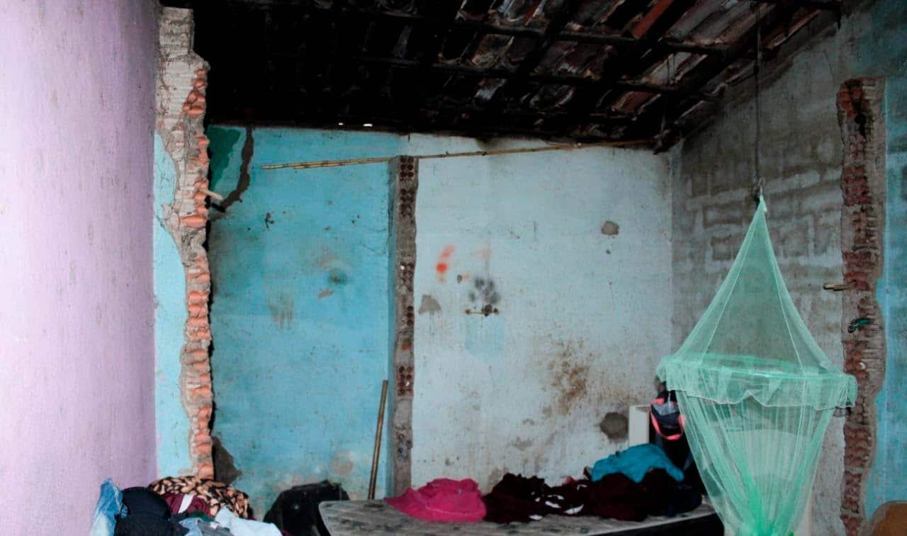 Casa danificada na comunidade de Canavieiras (Foto: Nádia Conceição/Agência Pública)