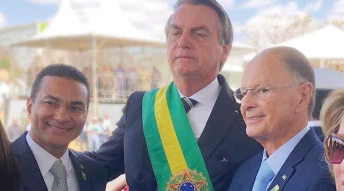 O deputado Marcos Pereira e o bispo Edir Macedo durante a posse de Jair Bolsonaro (Foto: Reprodução)